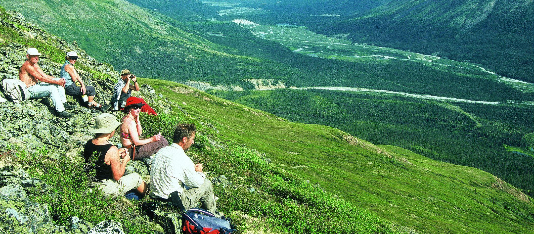 Wandergruppe im Yukon
