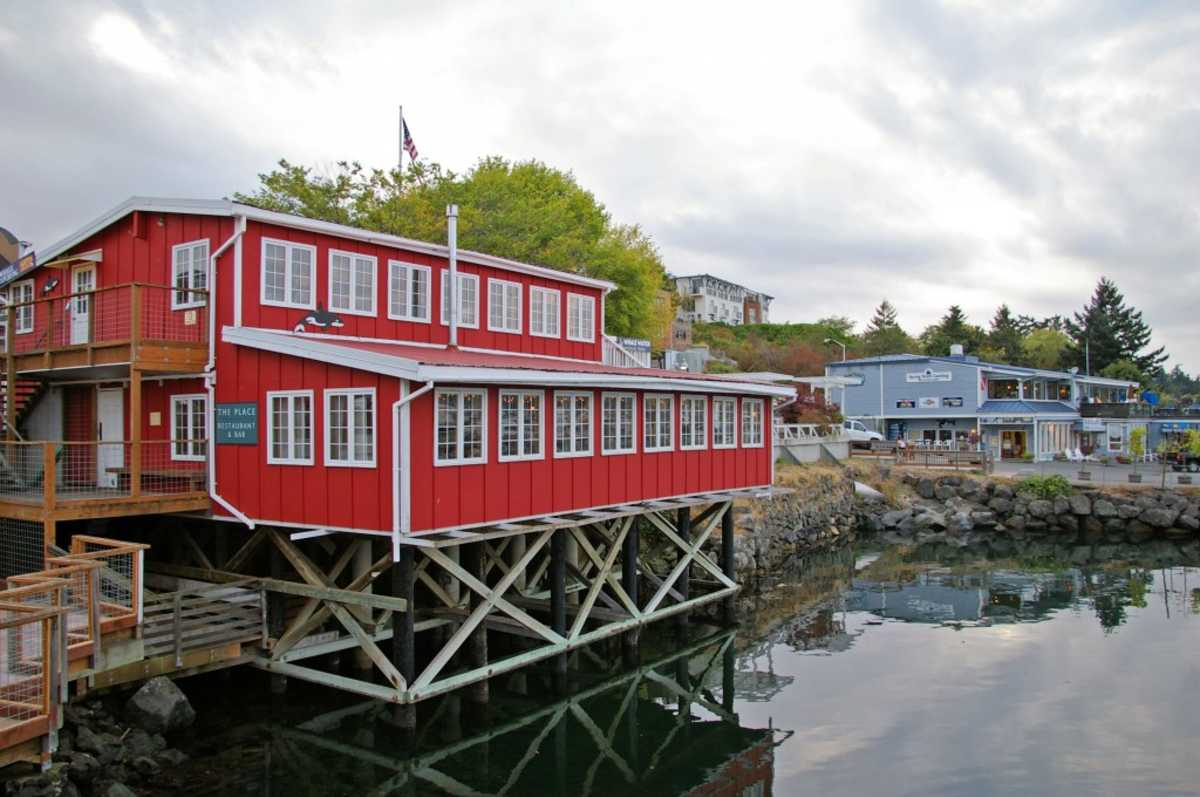 Restaurant The PLace in Friday Harbour
