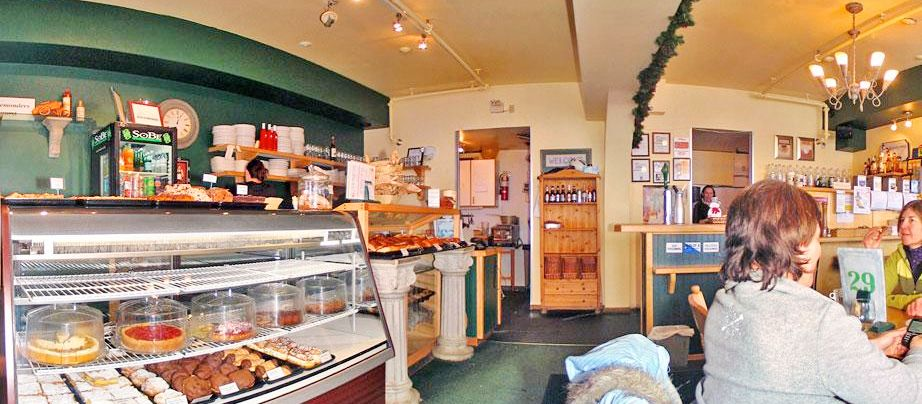 Fruestueck bei Franks Bugaboo's Bakery