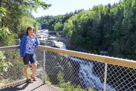 Irene Schnell am Canyon Sainte-Anne in Quebec