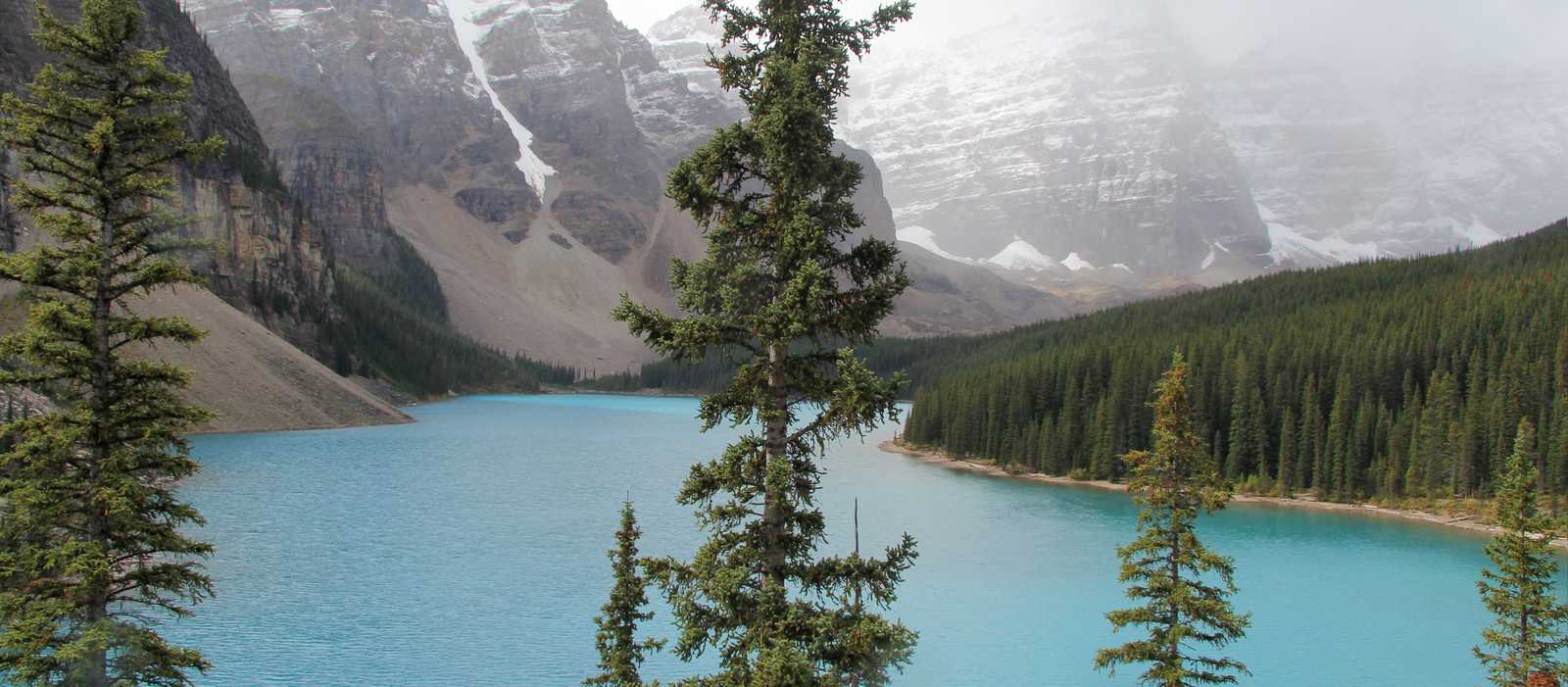 Der türkisblaue Moraine Lake