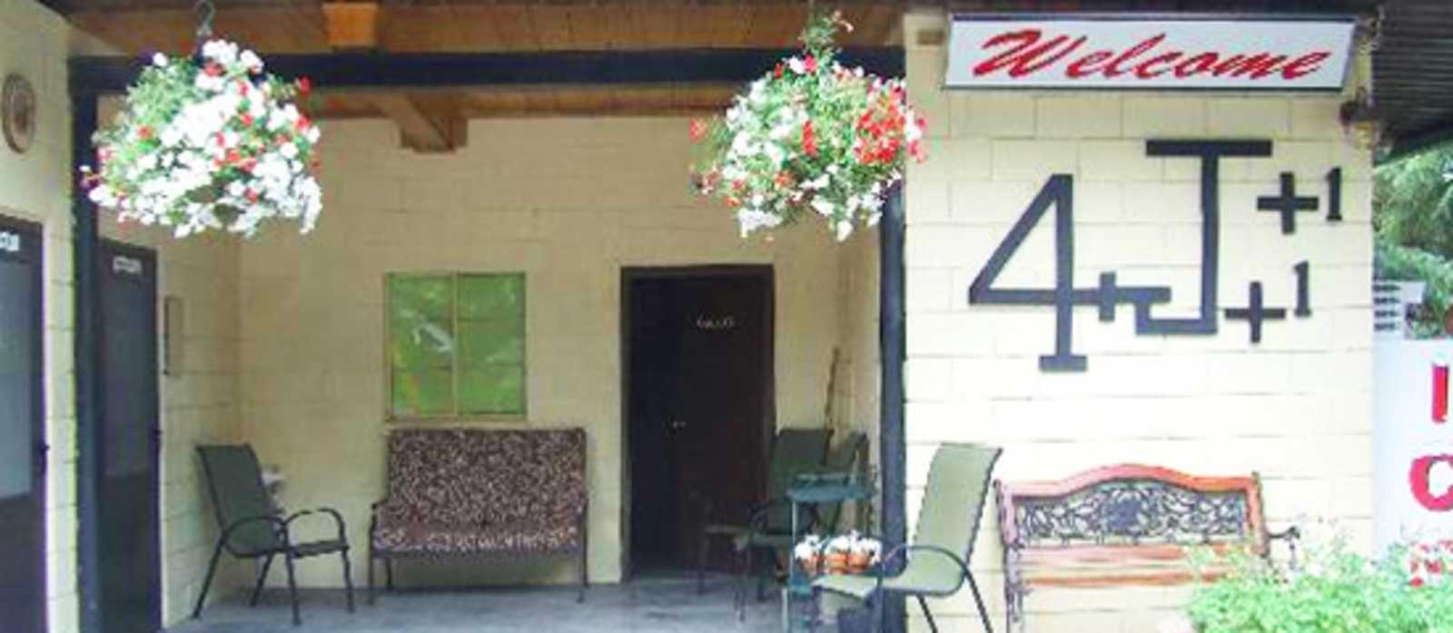 4J+1+1 RV Park in Ouray
