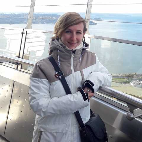 Cindy auf dem Space Needle Aussichtsturm in Seattle