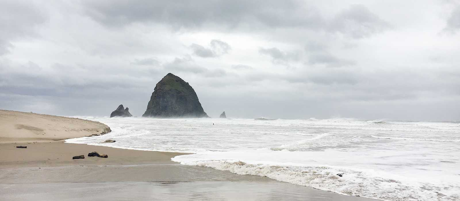 Der Haystack Rock am Cannon Beach