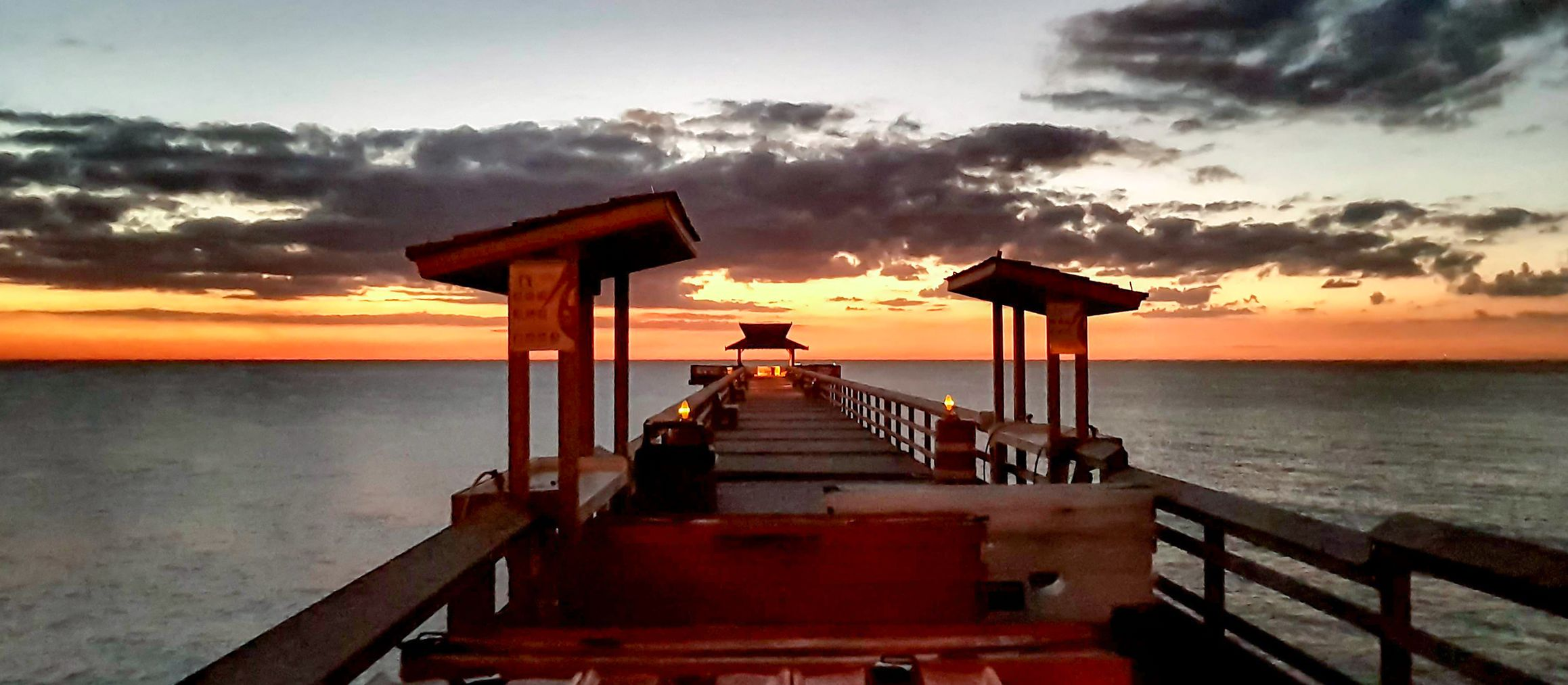 Ein traumhafter Sonnenuntergang am Naples Pier