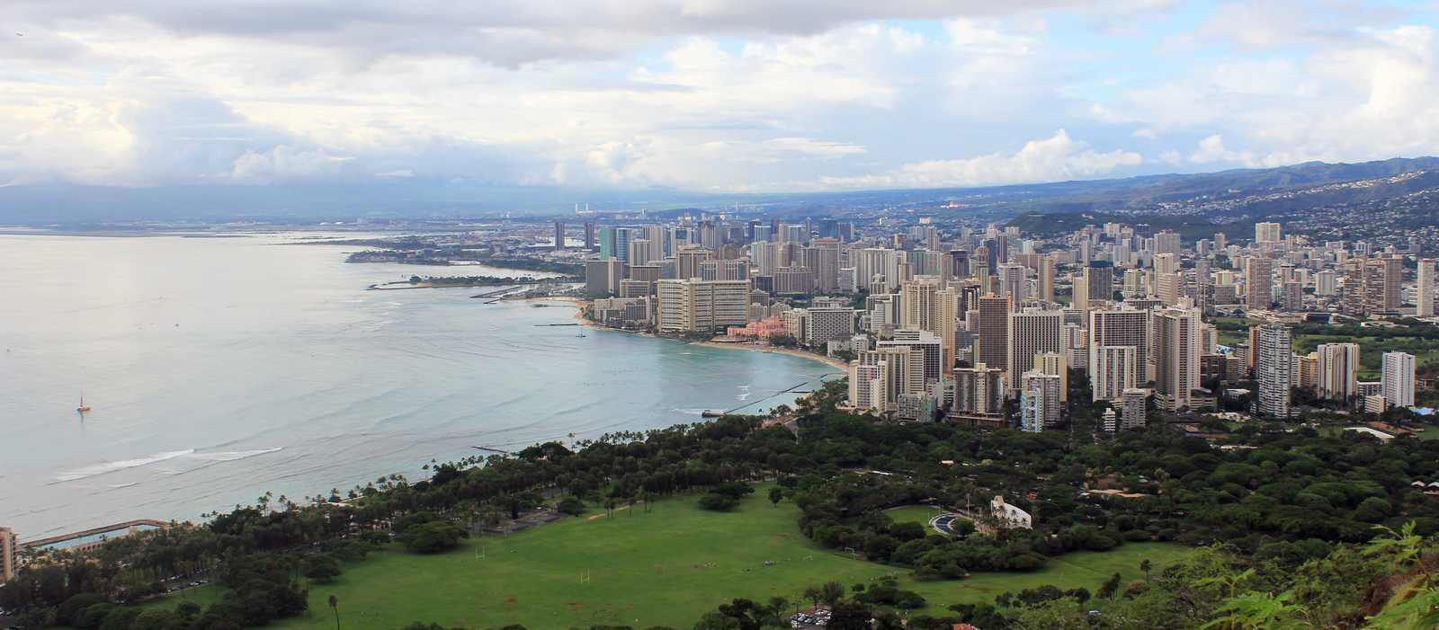 Die Skyline von Waikiki Beach