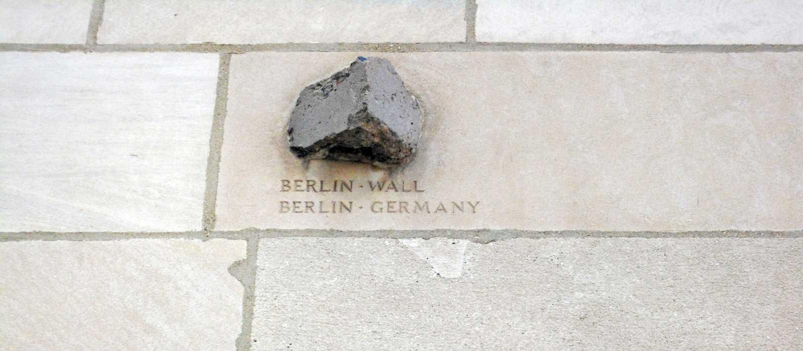 Berliner Mauer als Teil des Tribune Towers
