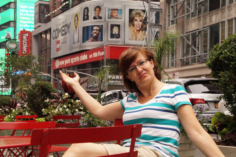 Mitarbeiterin Irene am Broadway in New York City