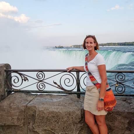 Mitarbeiterin Katja an den Niagarafällen