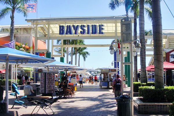 Bayside Mall - Miami lodging news South Beach has so much to offer from the most wonderful beaches, to extensive sport activities to the most exciting nightlife and first class shopping. South Beach offers plenty of shopping opportunities on Lincoln Road and on Collins Avenue.