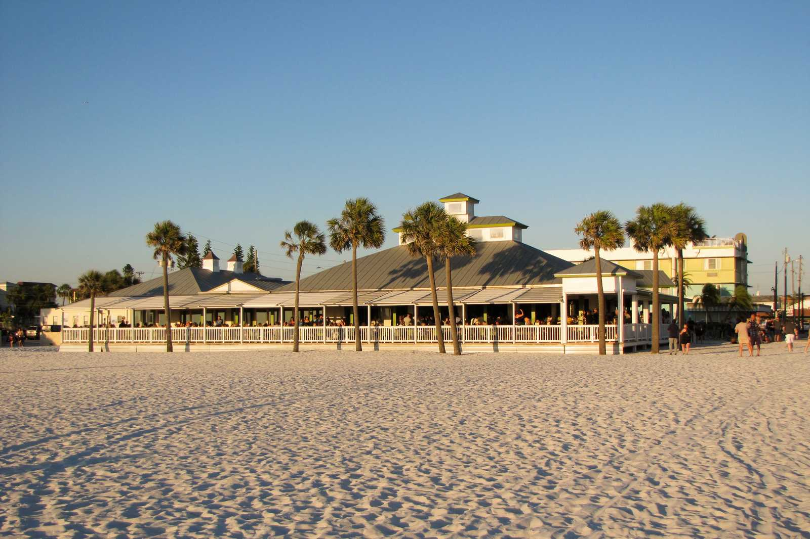 Das Palm Pavilion Beachside Bar & Grill in Clearwater, Florida