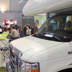 Wohnmobil hinter dem Messestand auf der CMT-Messe in Stuttgart