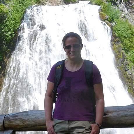 Carmen vor den Narada Falls