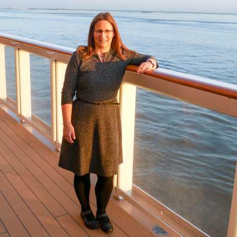 Mitarbeiterin Carmen auf der Norwegian Bliss von NCL