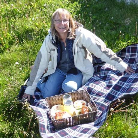 Carola Bank macht ein Picknick in Ferryland, Neufundland