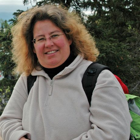 Claudia Schrader im Katmai National Park