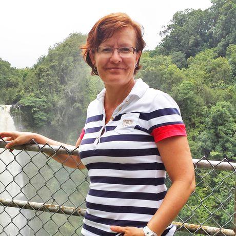 Irene Schnell bei den Akaka Falls auf Big Island