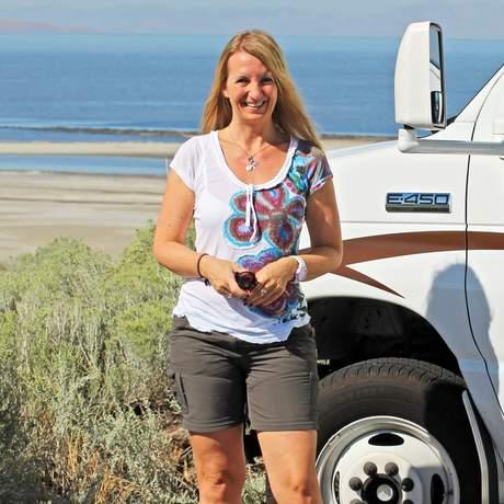 Bettina Denckert auf einer Camper-Tour