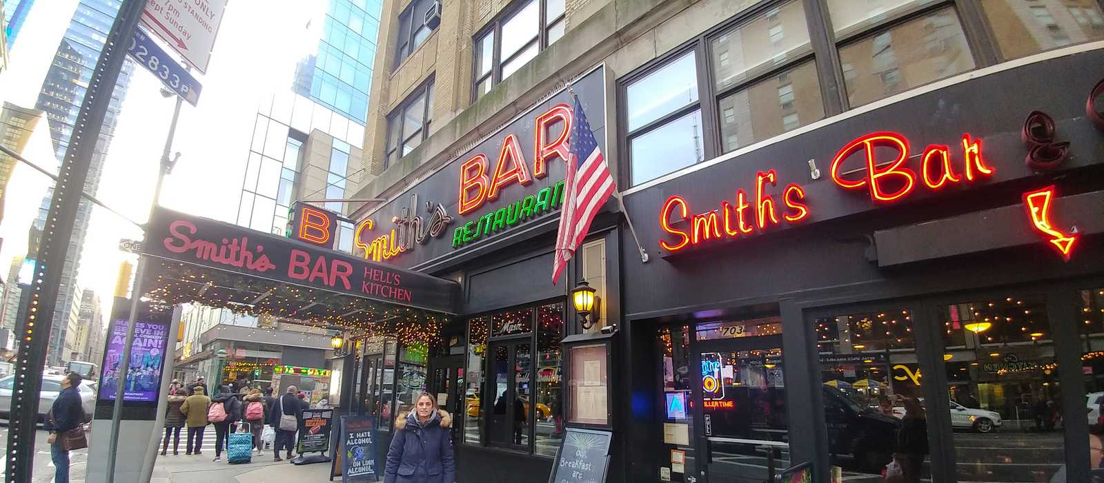Smith's Bar in Midtown