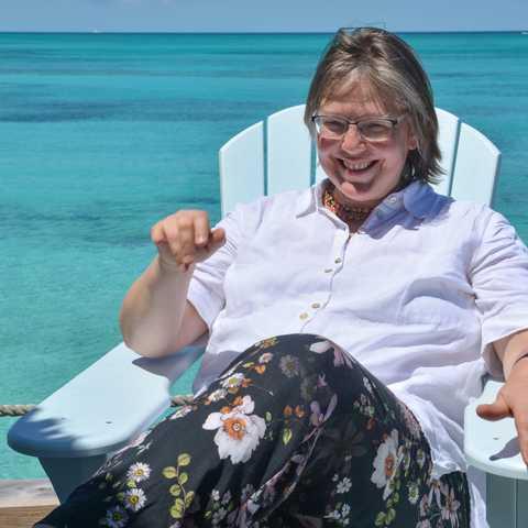CANUSA-Mitarbeiterin Karin Buhse am Compass Point in Nassau