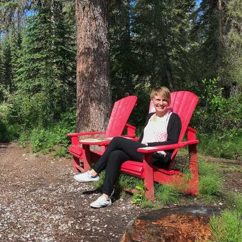 CANUSA Mitarbeiterin Lena Weigert im Jasper-Nationalpark in Alberta