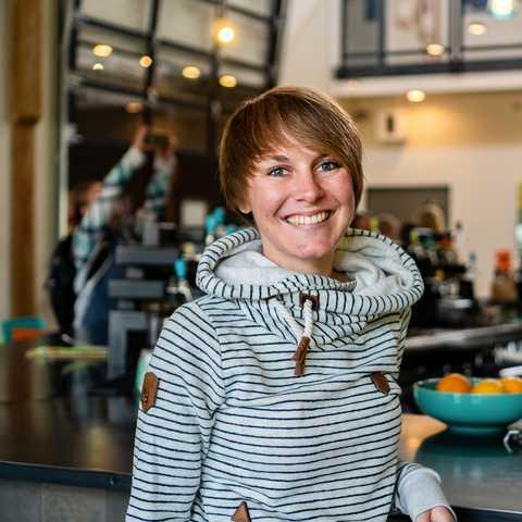 CANUSA-Mitarbeiterin Lena Weigert im Restaurant Riff Craft Food in Bend, Oregon