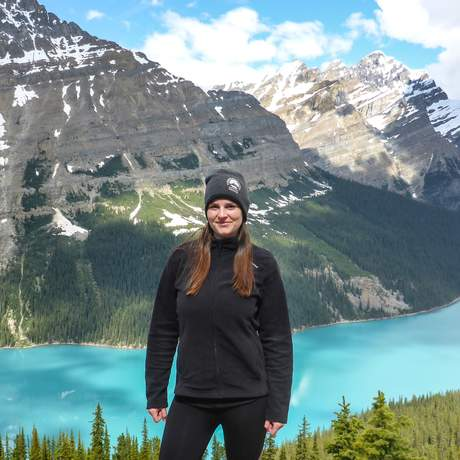 Maja Sebode während einer Wanderung auf dem Park Ridge Trail in Banff