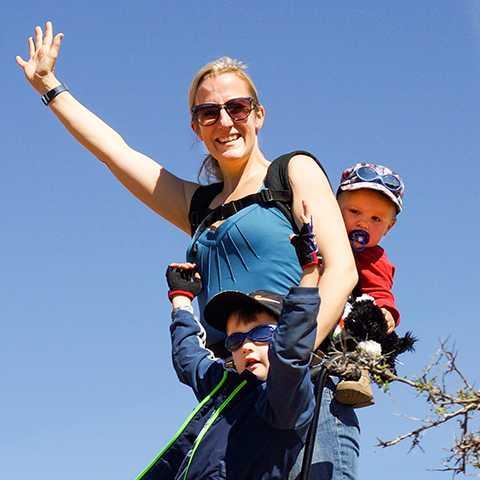 Mitarbeiterin Svenja mit Kindern Am Palo Duro State Park in Texas