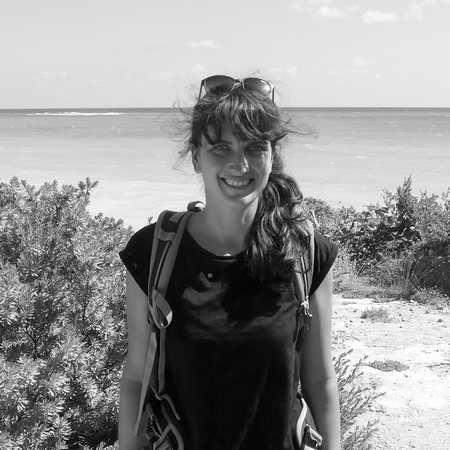 Mitarbeiterin Sabrina an der Küste von Mexiko