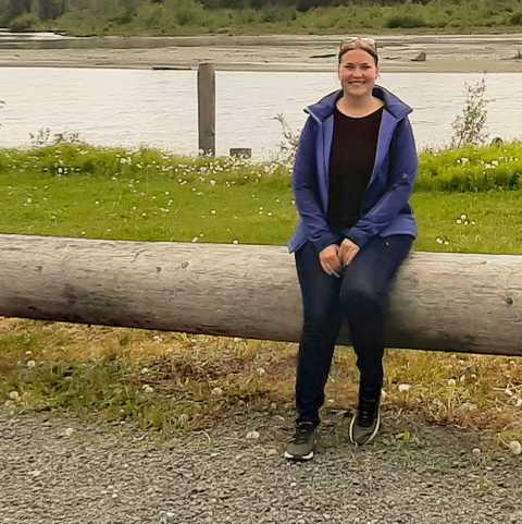 CANUSA-Mitarbeiterin Sabrina Karavla am Chilkat River
