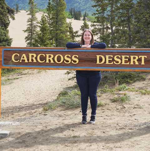 CANUSA-Mitarbeiterin Sabrina Karavla im Carcross Desert