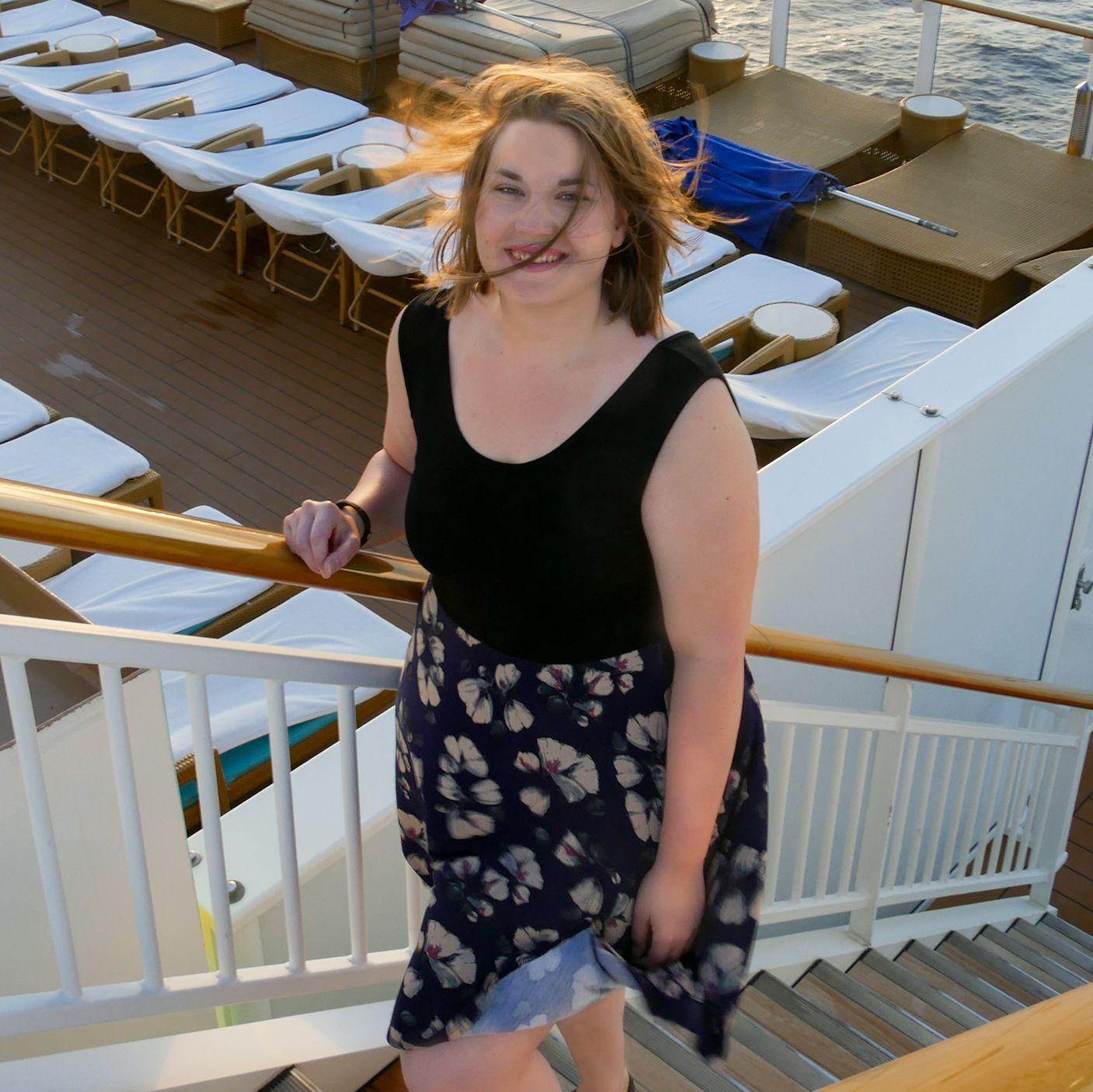 Mitarbeiterin Sabrina auf der Norwegian Getaway von Norwegian Cruise Line