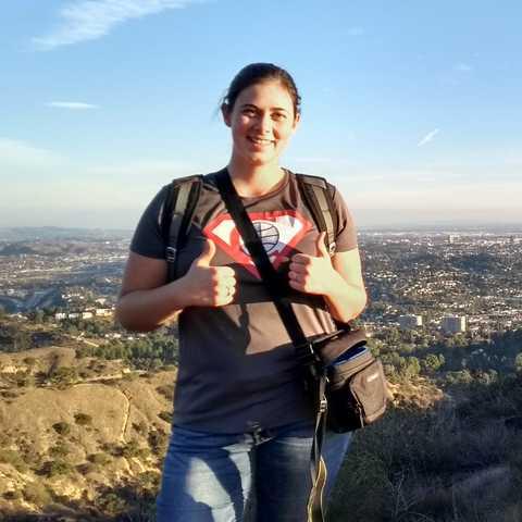 CANUSA Mitarbeiterin Saskia Burchard während einer Sunset Hike Tour zum Hollywood Sign