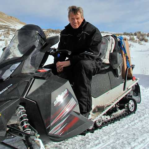 Tilo auf dem Snowmobil