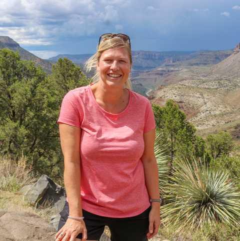 CANUSA Mitarbeiterin Kathrin Mantzel im Salt River Canyon in Arizona