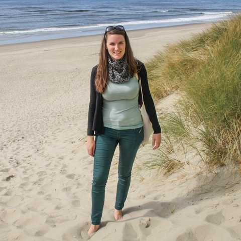 CANUSA Mitarbeiterin Bianca am Strand von Florence in Oregon