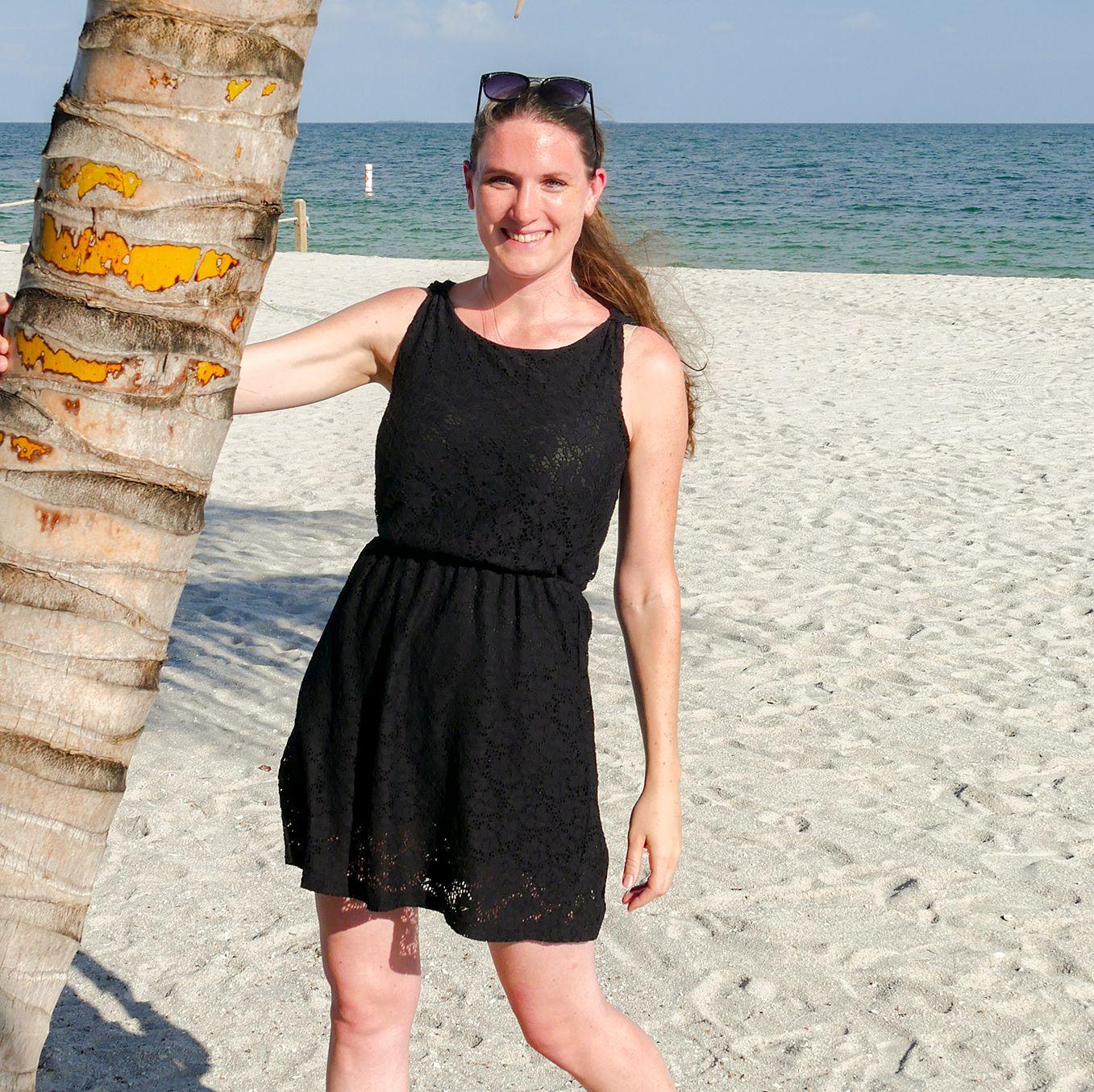 Mitarbeiterin Bianca am Strand von Belize