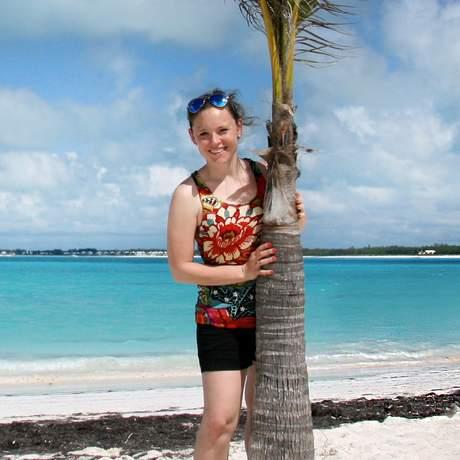 Diana am Treasure Sands Club Beach auf Abaco Island, Bahamas