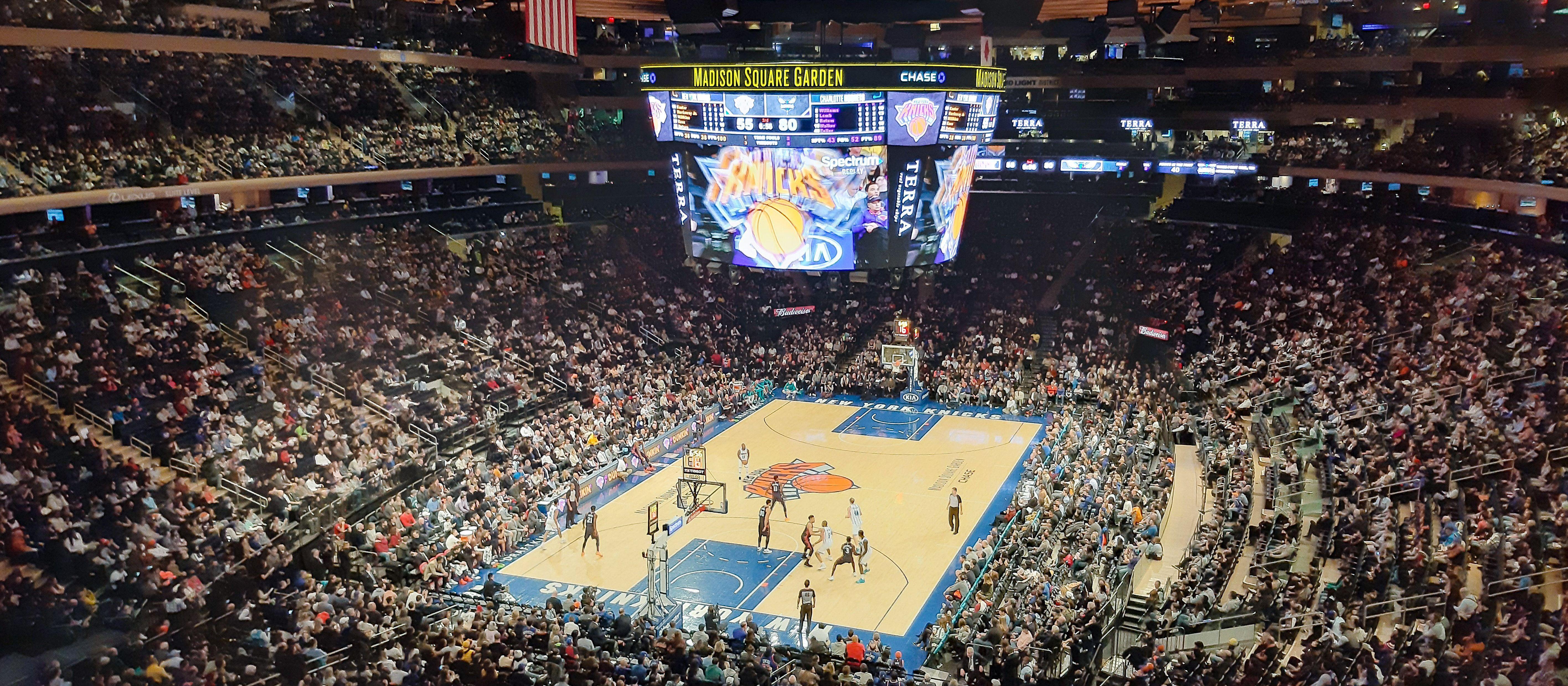Die New York Knicks gegen die Charlotte Hornets in der Madison Square Garden Arena in New York City