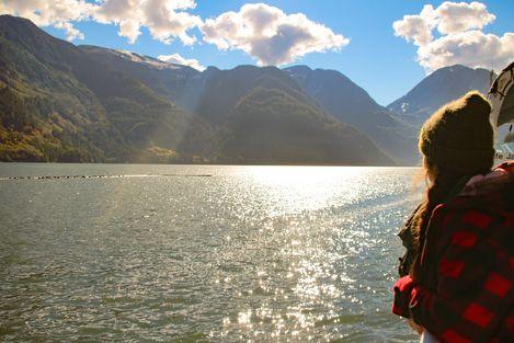 CANUSA Mitarbeiterin Kristin Weide auf ihrer Fahrt nach Toba Inlet, British Columbia