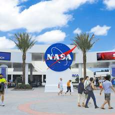 Eingang des Kennedy Space Centers in Florida