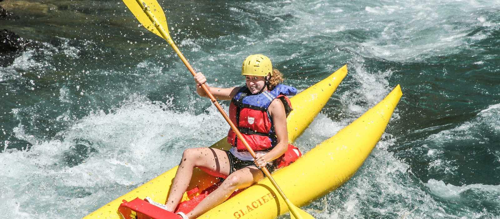 Wildwasser-Rafting in Golden mit der Glacier Raft Company