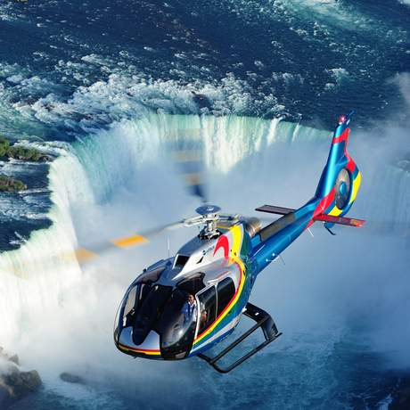 Helicopter über den Horseshoe Falls