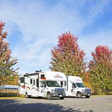 Canadream Motorhomes in Bala Muskoka im Herbst, Ontario