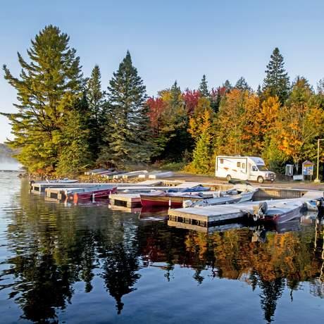 Canadream SVC im Algonquin Provincial Park im Herbst, Ontario