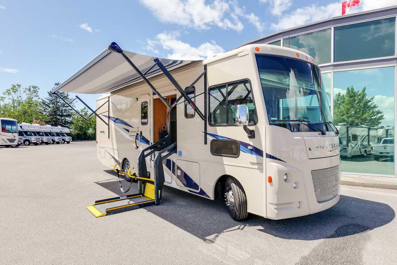 Wohnmobile Kanada, Fraserway RV: Motorhome A 9 Rollstuhl-geeignet