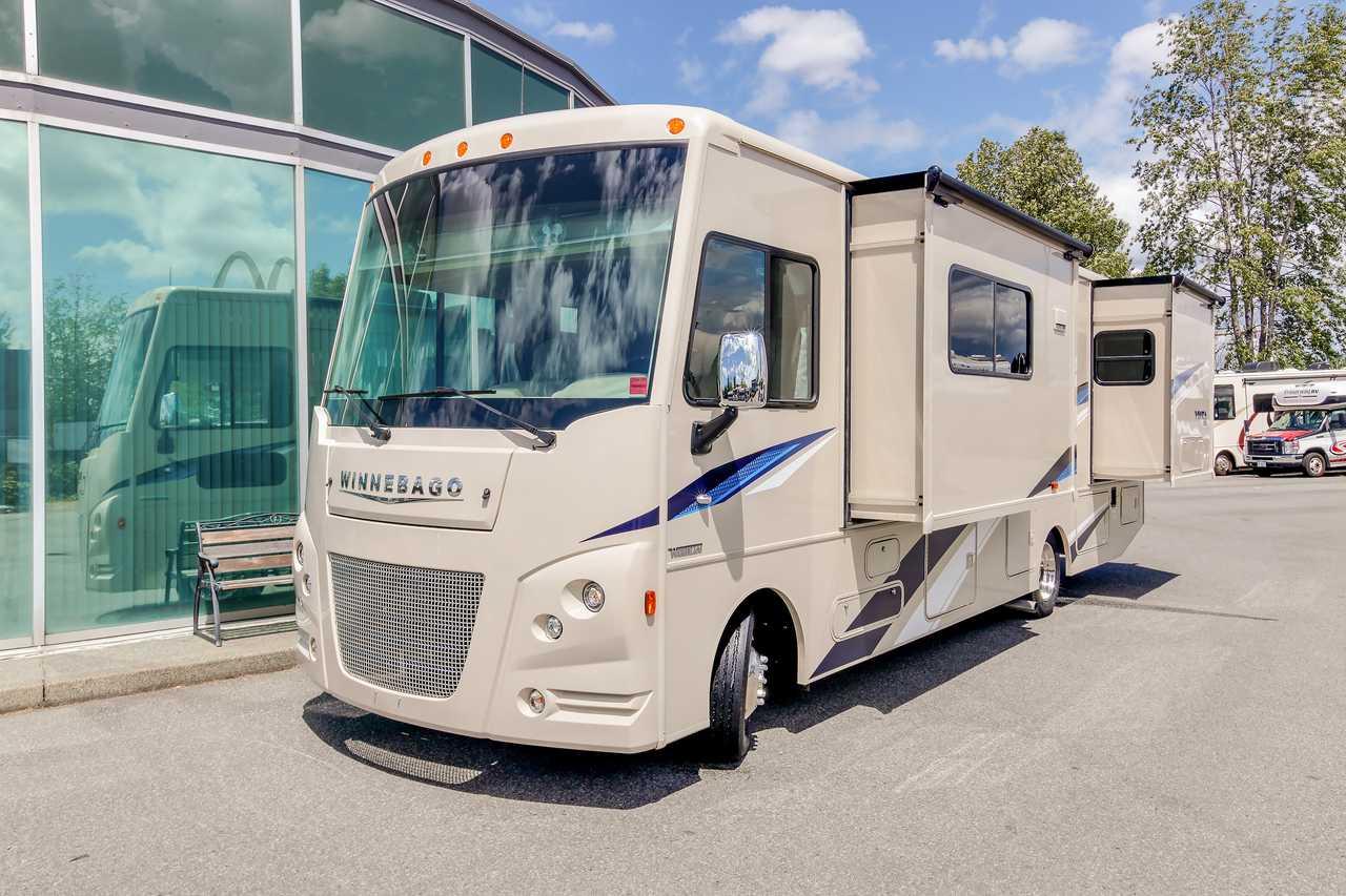 Wohnmobile Kanada, Fraserway RV: Motorhome A 8 Rollstuhl-geeignet