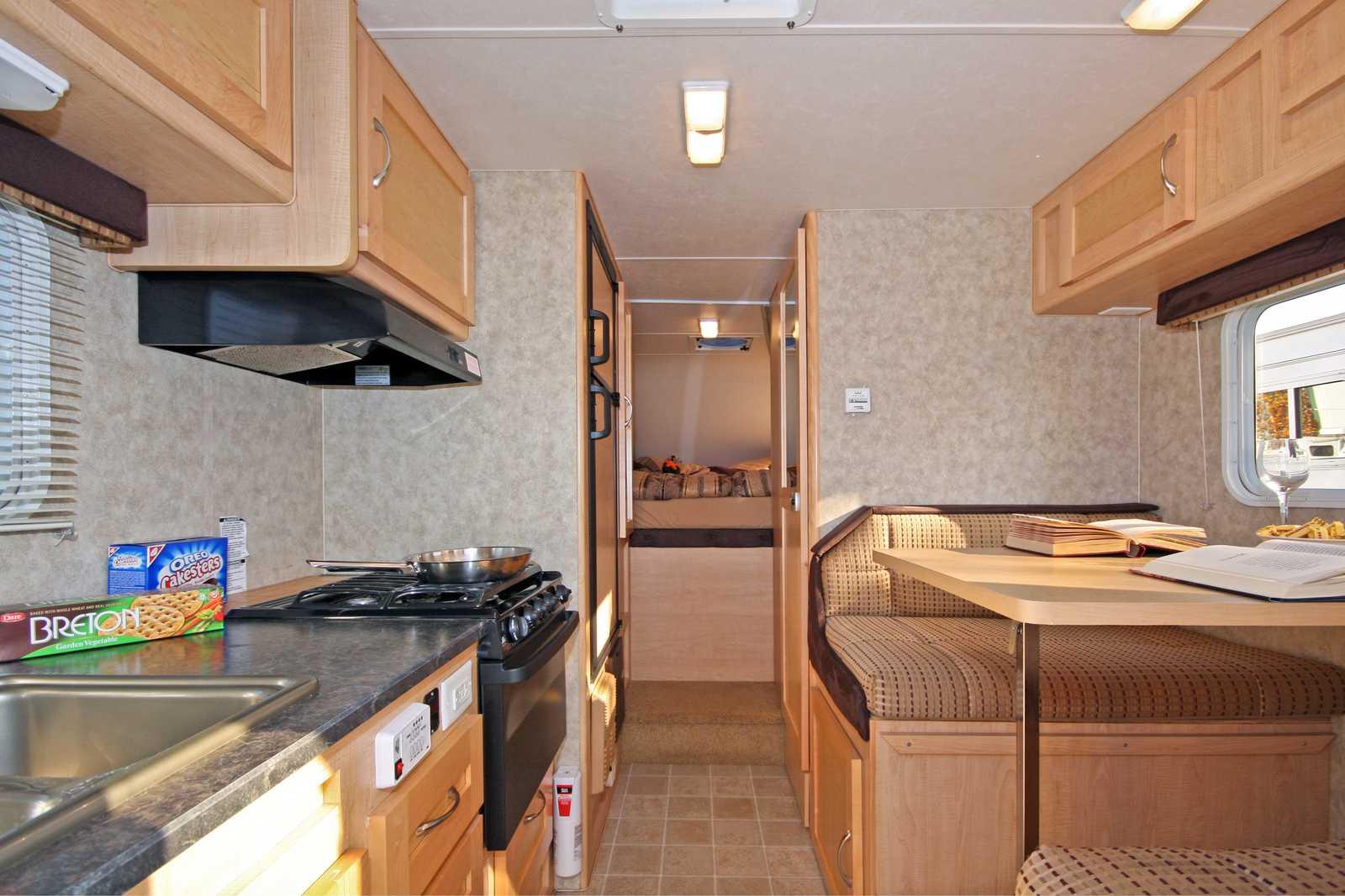 Wohnmobile Kanada, Fraserway RV: Truck Camper TC | CANUSA