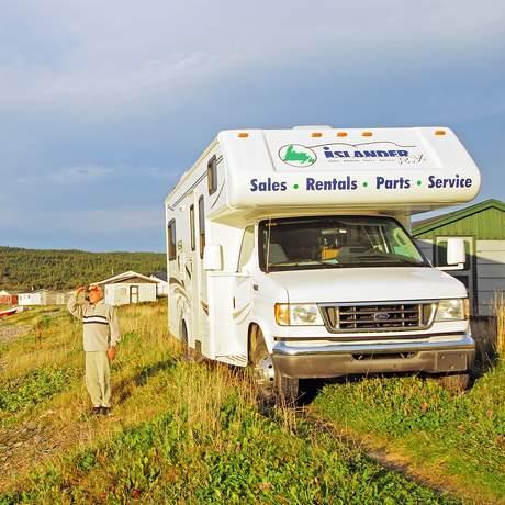 Wohnmobil an der Kueste Neufundlands