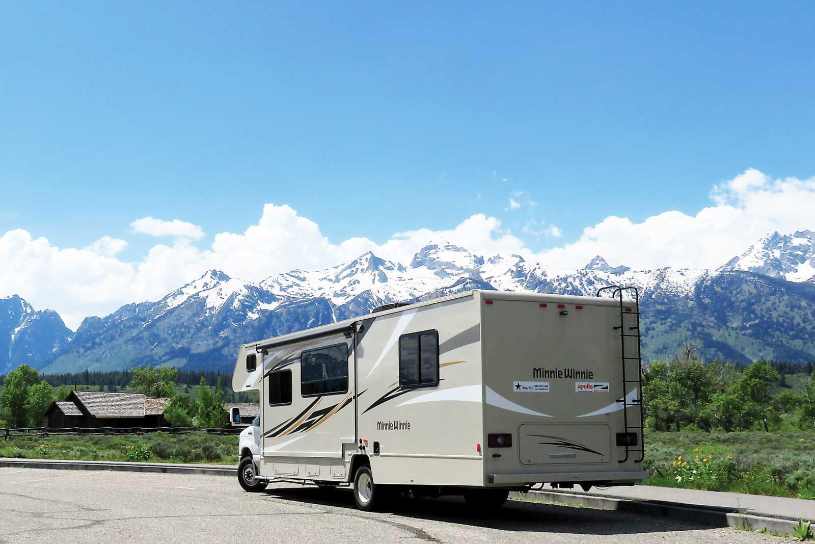 Aussenansicht des Apollo Eclipse Camper im Grand Teton Nationalpark